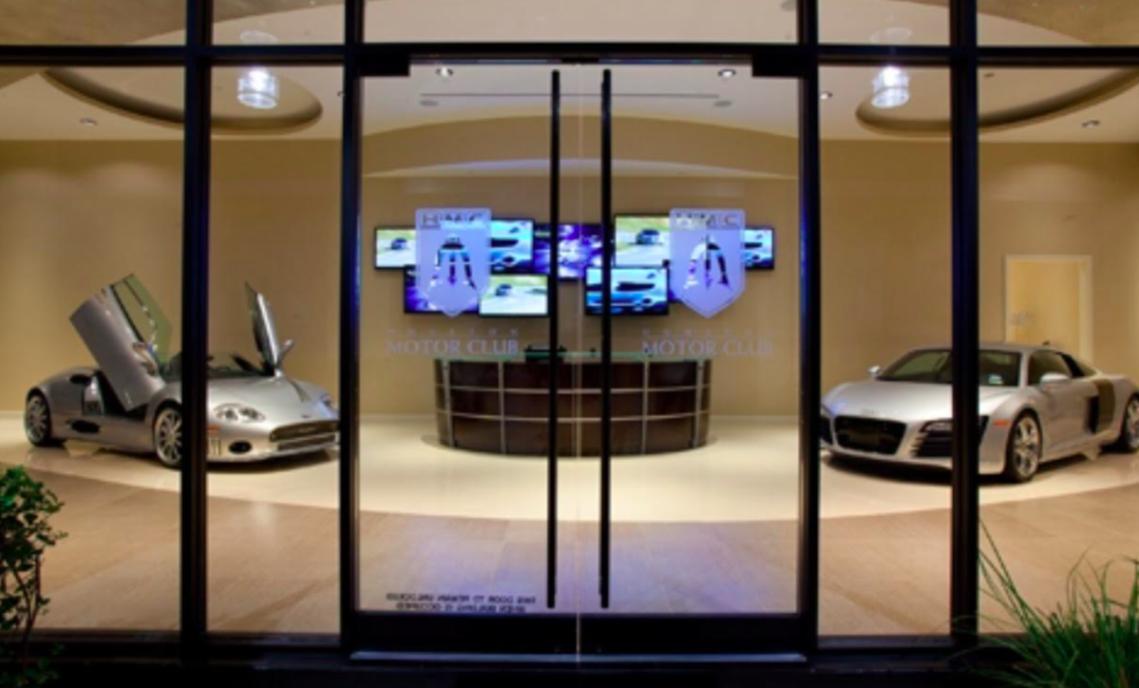 Houston-Motor-Club-Platinum-leaf-ceiling