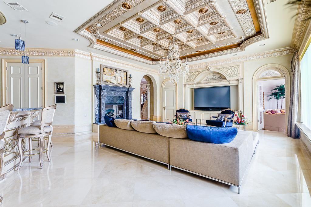 5324-Palm-Royale-Venetian-plaster-walls-