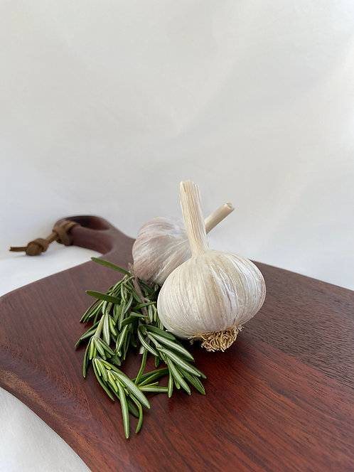 French - Rocambole Garlic  (454 g / 1 lb)