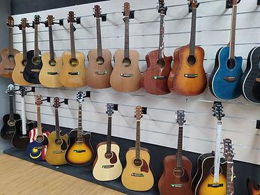 Guitars002.jpg