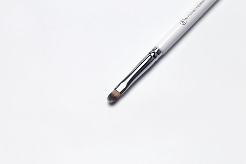 L1 - Flat Lip Brush (size S)