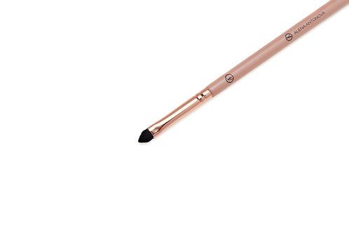 W3/Y2 – Eyebrows Draw Brush \ Cat's Eye Eyeliner Brush (size S)