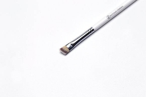 W2 - Eyebrow Angle Brush