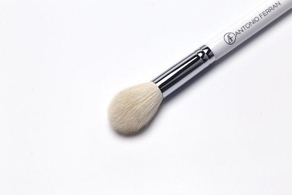 H2 - Trapetted Highlighter Brush