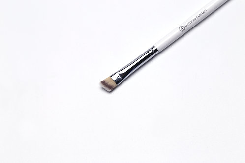 W2 - Eyebrow Angle Brush (size M)