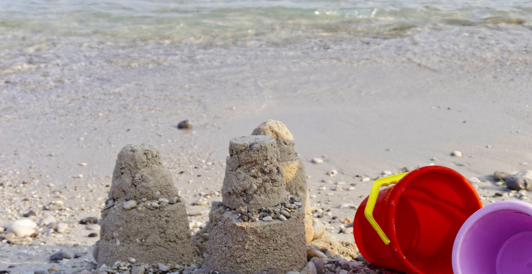 Family-Friendly Sand & Pebbles Beach