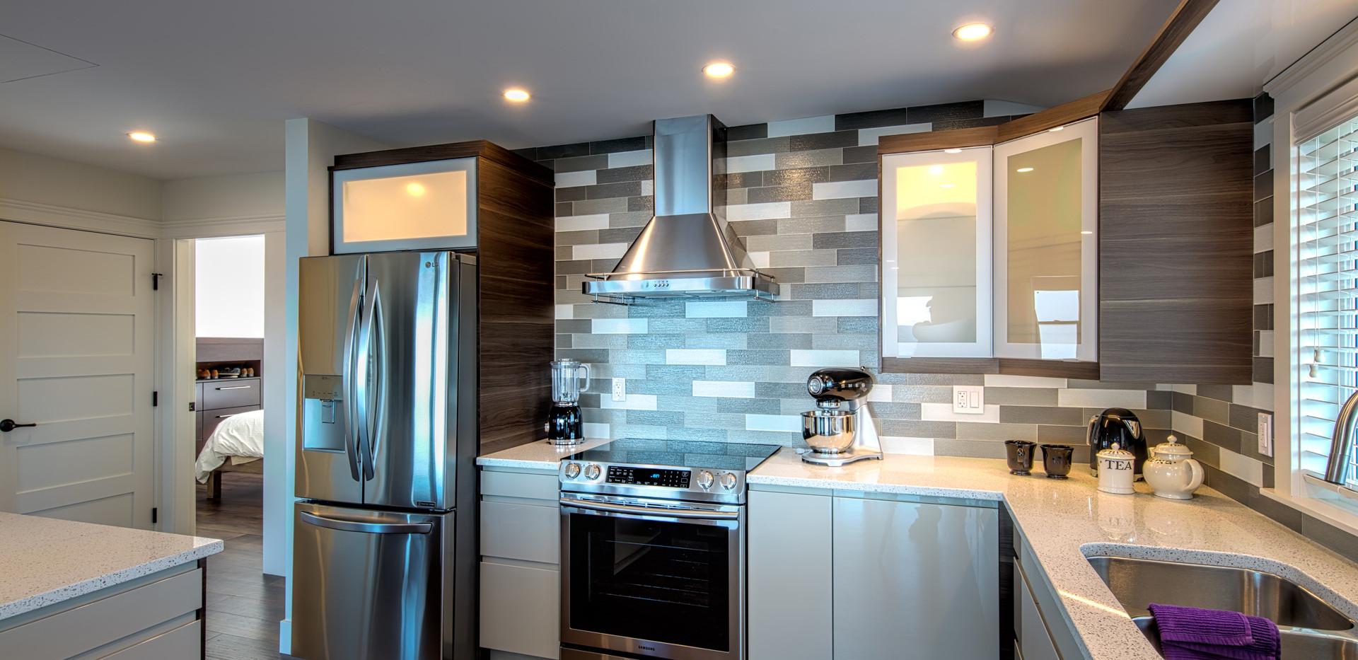 Bright Full Kitchens