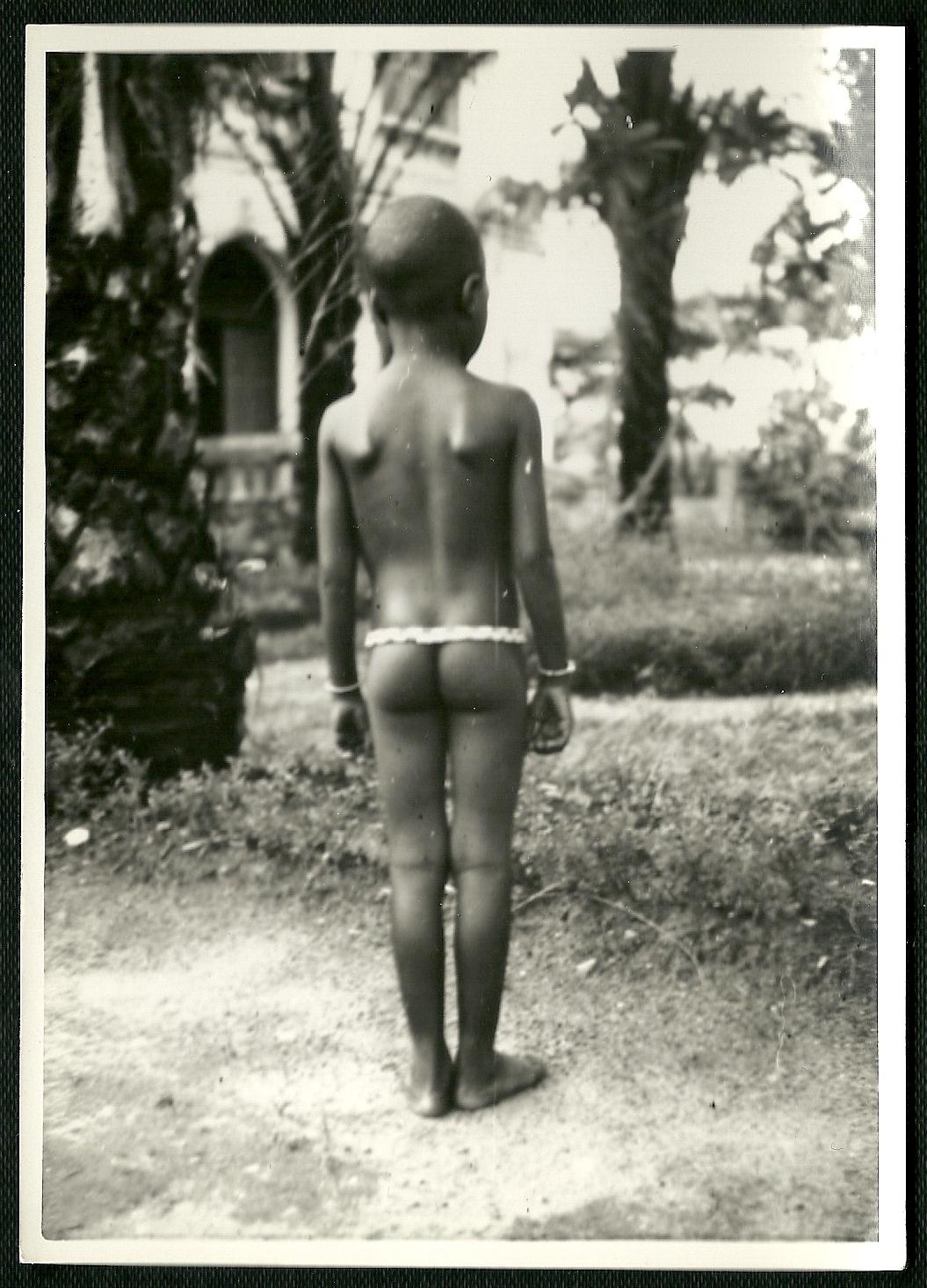 Brazzaville, fillette indigène