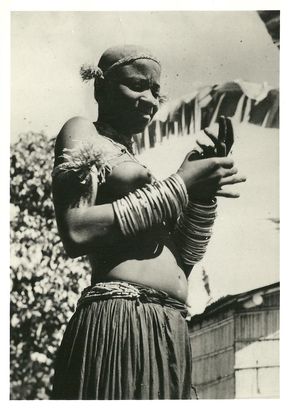 Tchikoumbi, femme Vili