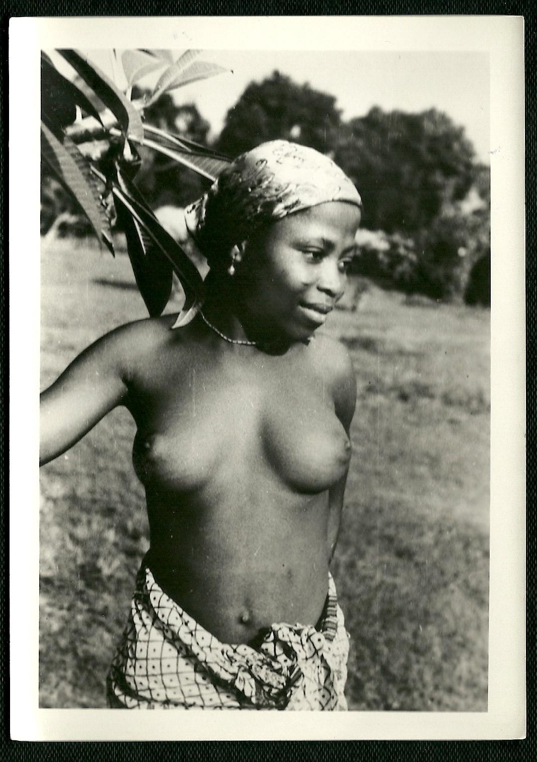 Bangui, Jeune fille Sango