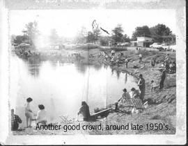 crowd1950s.jpg