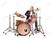 18692116-músicos-tocando-tambores.jpg
