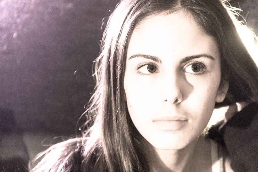 Die junge Wiener Sängerin Mirjam Catal