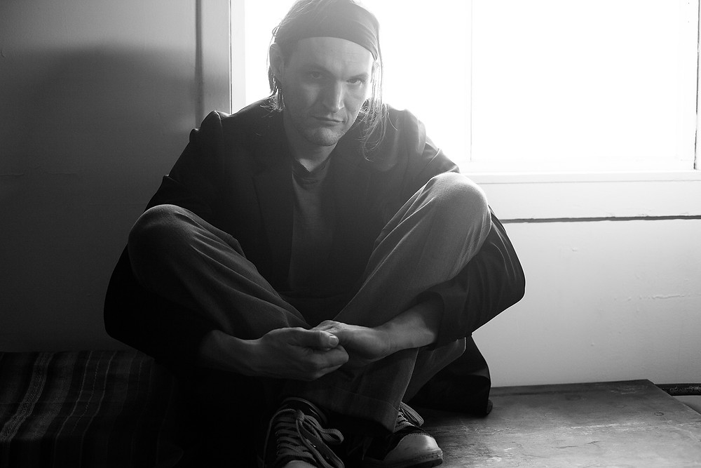 Josh Klinghoffer, Sänger der Band Pluralone.