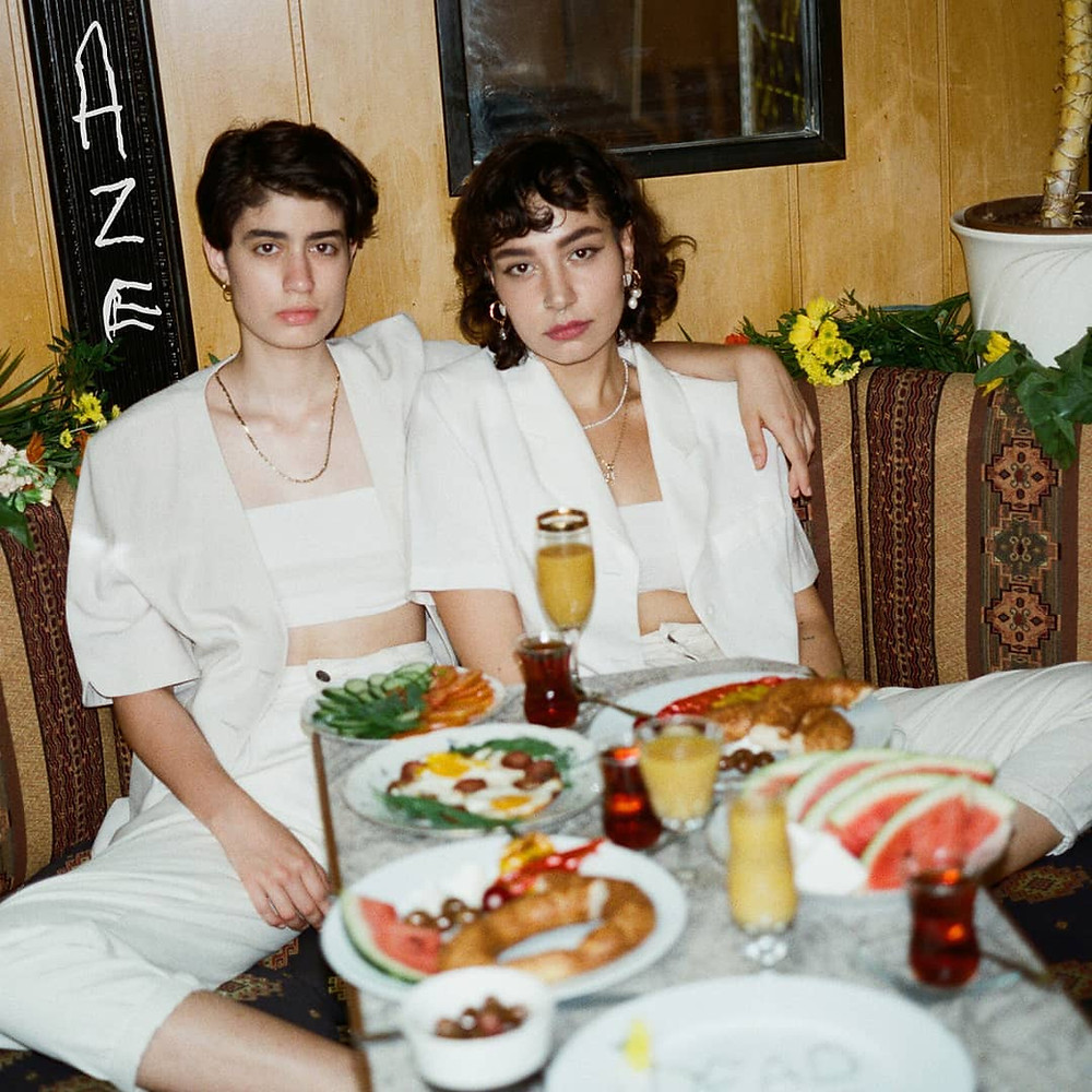 Das Wiener Duo AZE.