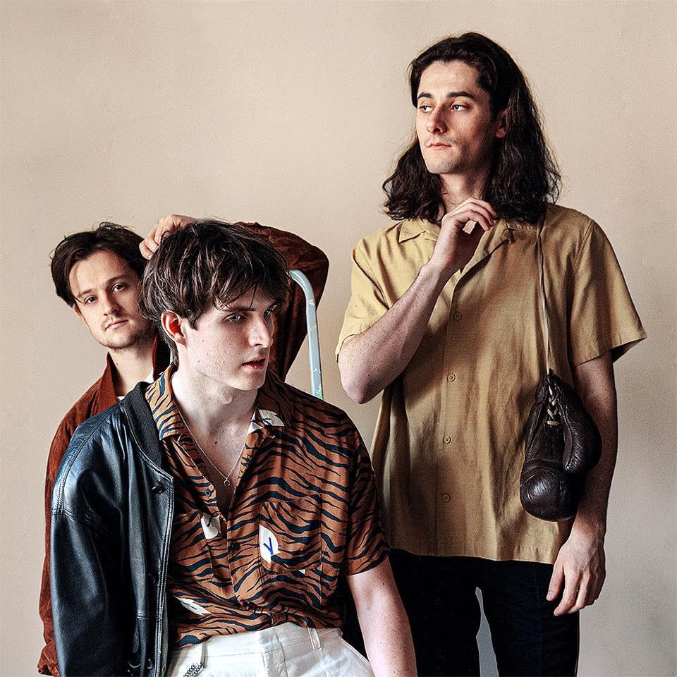 Die britische Band Cassia.
