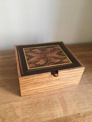 Boîte marquetée