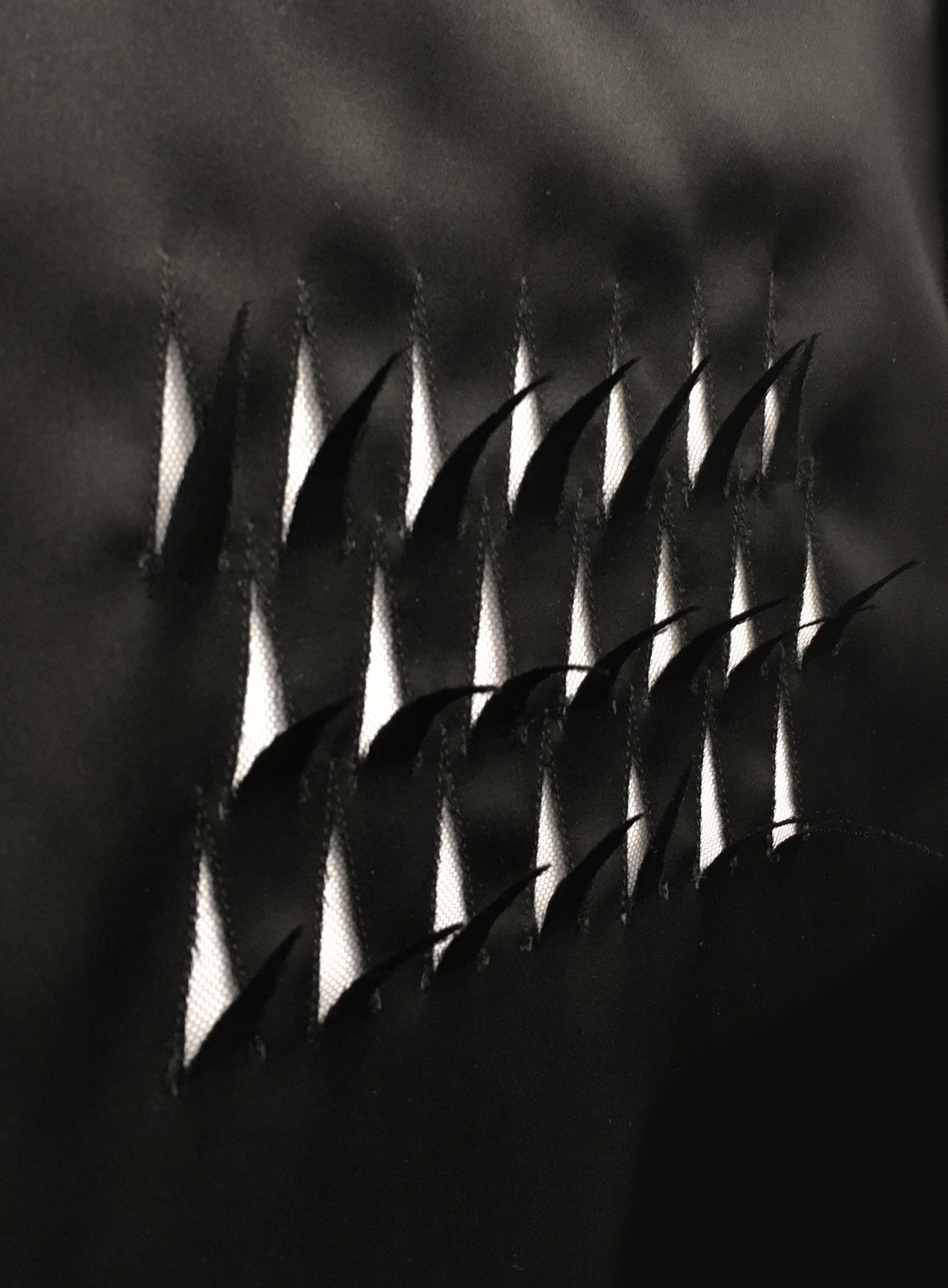 FEATHER CUTOUT