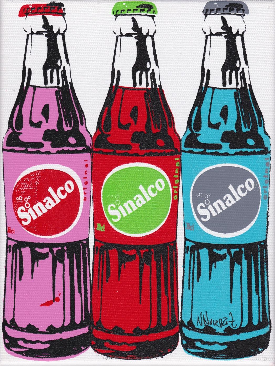 3 bouteilles de Sinalco multicolores 24X18CM