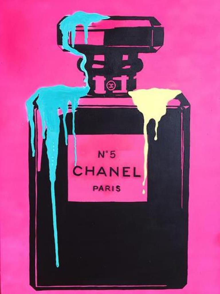 PINK NEON CHANEL