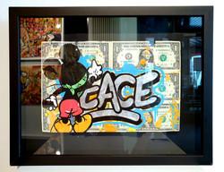 DOLLARS MICKEY PEACE 33X43CM