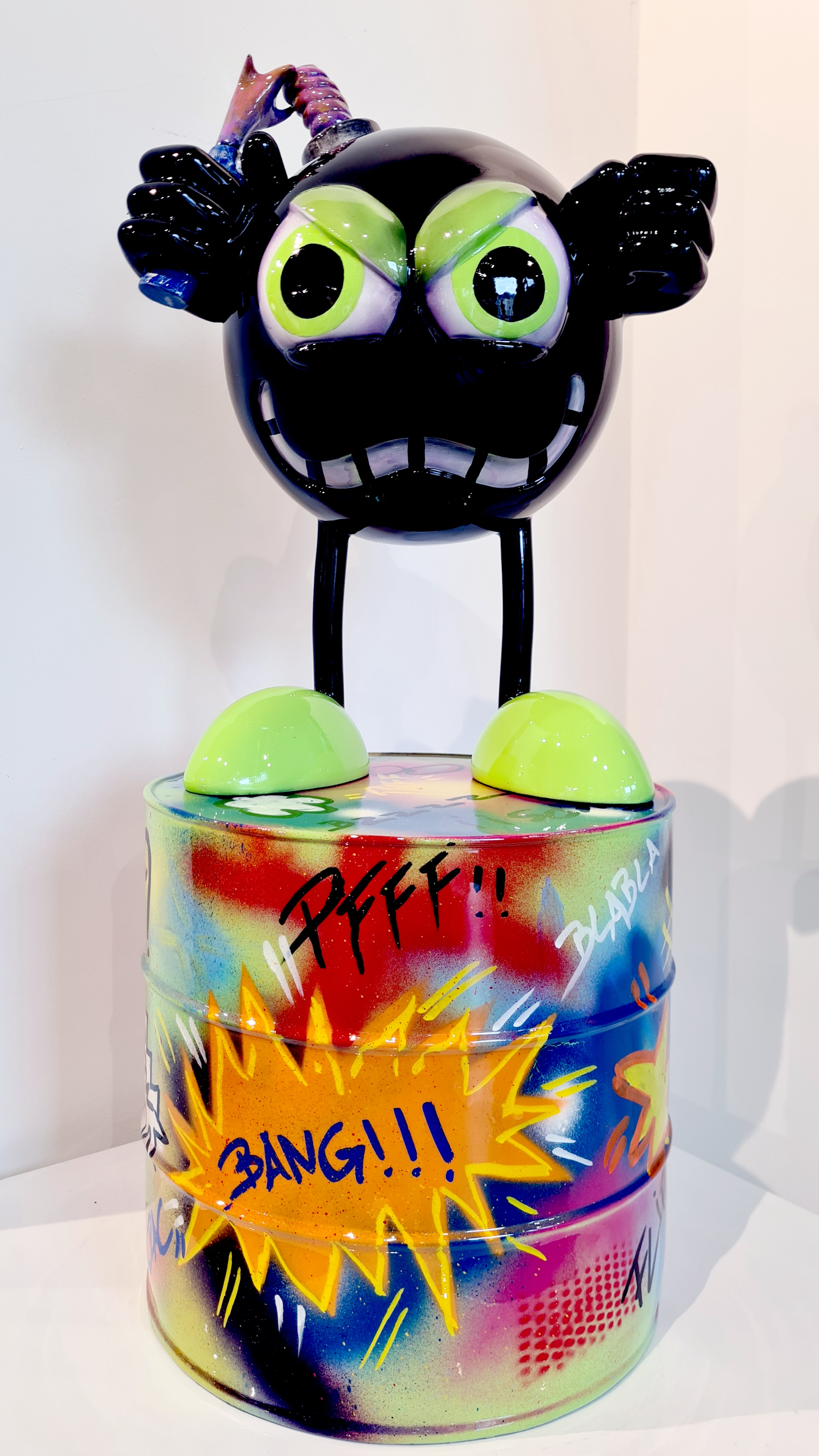 Miss Bomb Black Anger 70CM