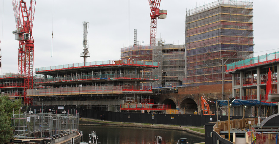 All buildings progress around the viaducts on 8th May 2017
