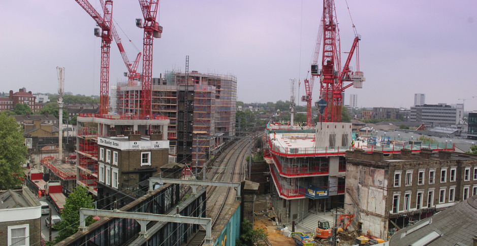 Concrete superstructure progresses, seen on 6th May 2017