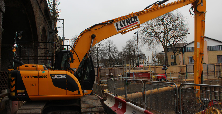 A long range excavator extracts final spoil from Building D/E on 30th January 2017