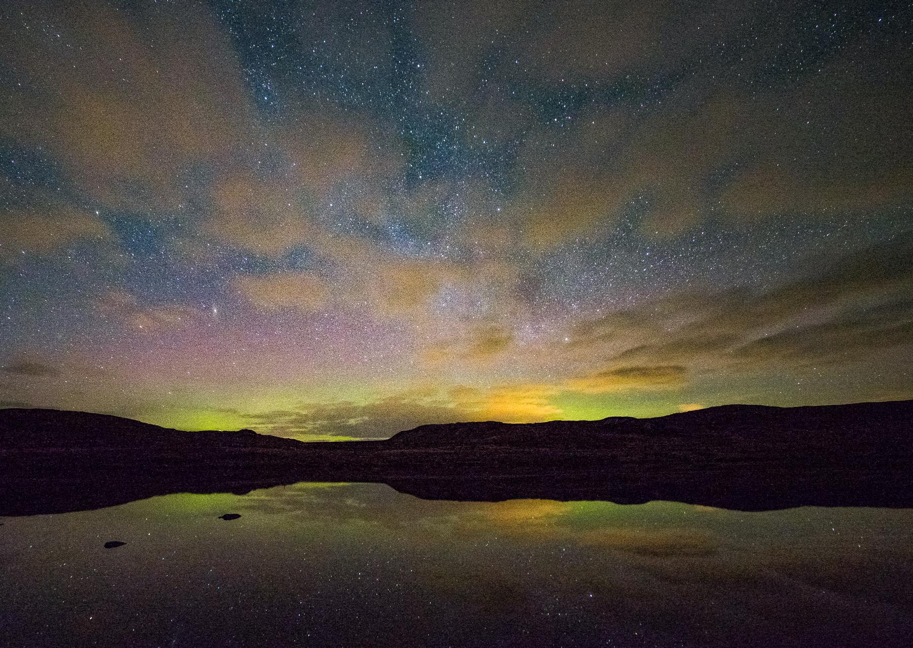 Loch Amhastar aurora-2