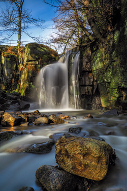 Lumsdale Main fall in the sun