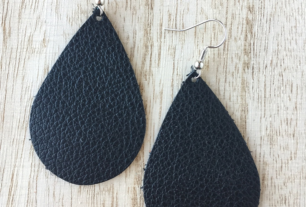 Simple Black Teardrop