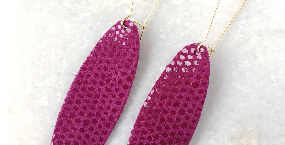 Fuchsia Stretch Oval -Drop Hook