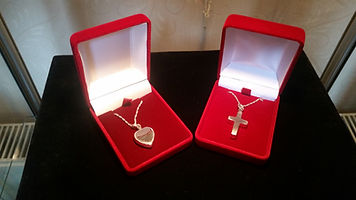 Ashes Jewellery, cremation jewellery, ashes necklace, ashes into jewellery
