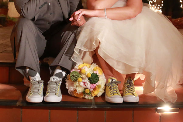 Nelyweds in Converse
