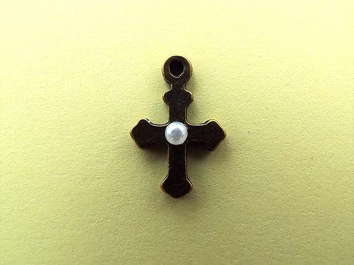 """""""Vintage Pearl"""" cross"""