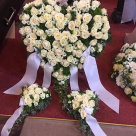 Weißes Trauerherz
