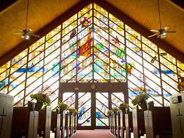 【ステンドグラスが輝く教会】ハワイでウェディング♡人気チャペルのご紹介♪