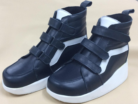 Triple velcro navy and white leather boots
