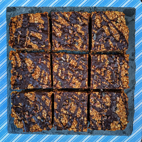 Dark Chocolate & Date Flapjack x 9 squares