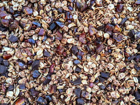 Dark Chocolate & Date Granola