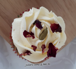 Rose & Cardamon Cupcake