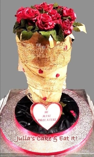 Bouquet of Red Roses Cake for Valentine's Day