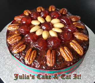 Christmas Cake.  Serves 12.  10 syns per portion.