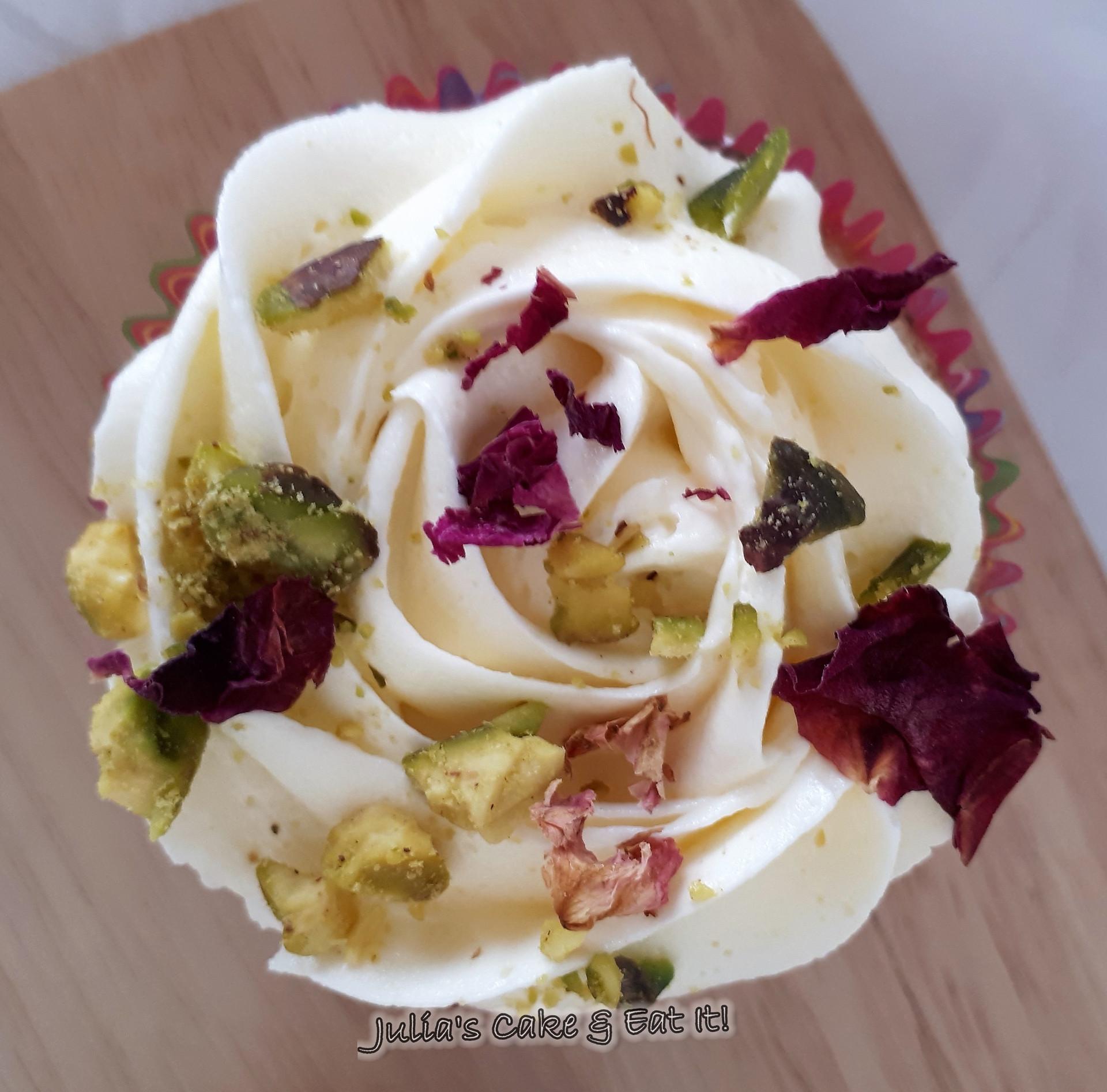Rose & Pistachio Cupcake