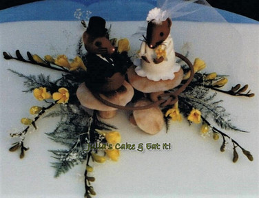 Mouse Bride & Groom with Freesias
