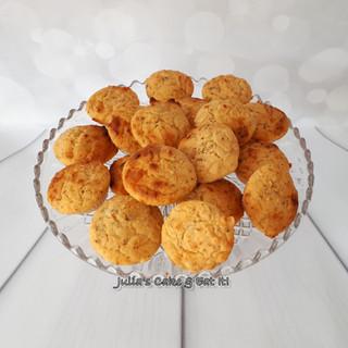 Spicy Cheesy Corn Muffins
