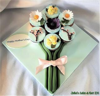 Cupcake Bouquet on Flat Board