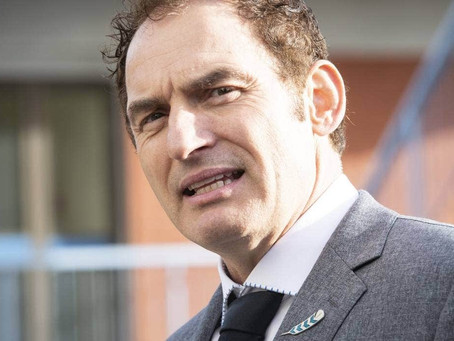 NZ minister critics motorhomes - Minister in Nieuw Zeeland bekritiseert campers