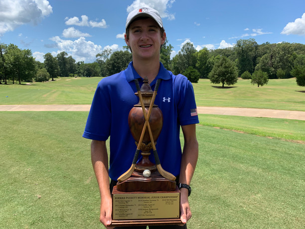 Boys 14-15 & Boys overall Winner of the 2019 Norman Puckett Jr Championship, Connor Gee!